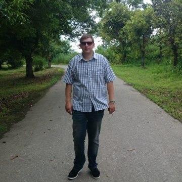Alexander Sarkisian, 28, Batumi, Georgia