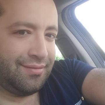 Kayce Zidi, 33, Tunis, Tunisia