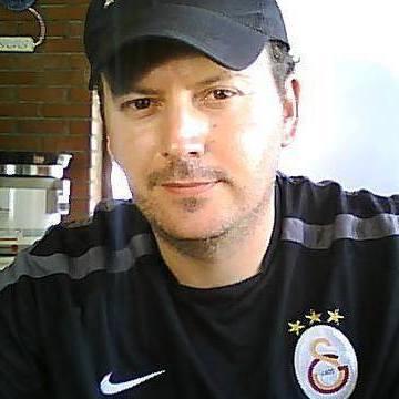 Doğan Aslan, 39, Ayvalik, Turkey