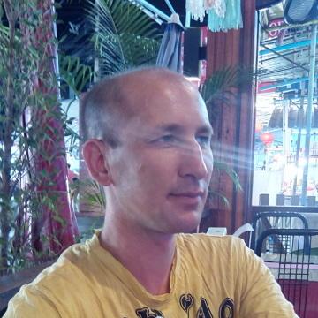 Ruslan, 37,