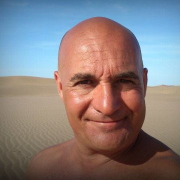 Leonardo Pessano, 55, Granadero Baigorria, Argentina