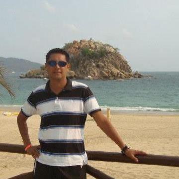 Emmanuel Pastrana, 35, Puebla, Mexico