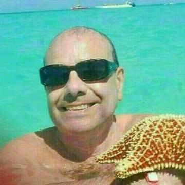 Hernán González, 53, Valladolid, Spain