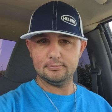 Nate Derington, 34, Bakersfield, United States