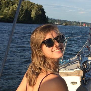 Chloe Henault, 25, Portland, United States