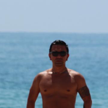 Ale, 38, Barcelona, Spain