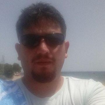 Tolga Özgökhan, 34, Balikesir, Turkey
