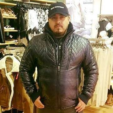 Victor R Cedillo, 38, Mexico City, Mexico