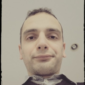 Akif Kiziltas, 31, Kocaeli, Turkey