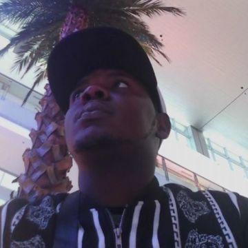 taiwo, 28, Lagos, Nigeria