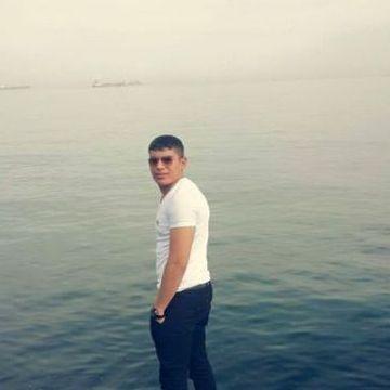Rauf Aze, 22, Istanbul, Turkey