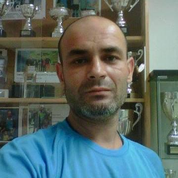 Edy Canta, 38, Barcelona, Spain
