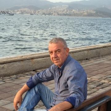 Seref Ursavas, 60, Istanbul, Turkey