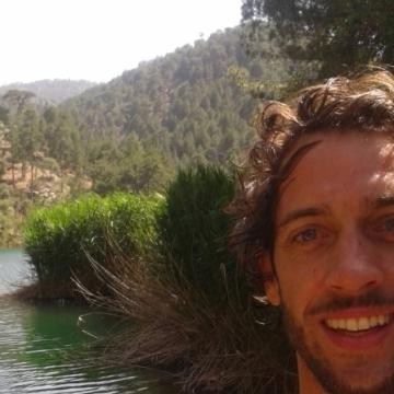 Andres Viedma Muñoz, 36, Granada, Spain