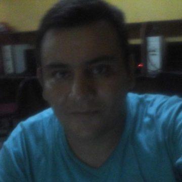 Leo Ebr, 35, Berisso, Argentina