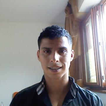 Ruben, 30, Udine, Italy