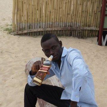 Oola, 33, Lagos, Nigeria