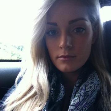 julie, 33, Tuggerah, Australia