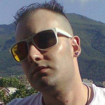 Tony Esposito, 31, Ariano Irpino, Italy