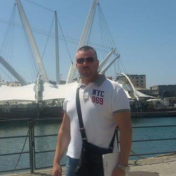 Stefano Garegnani, 41, Milano, Italy