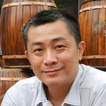 Hong, 50, Kuching, Malaysia