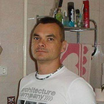 Zoltan Zodos, 41, Gyongyoshalasz, Hungary