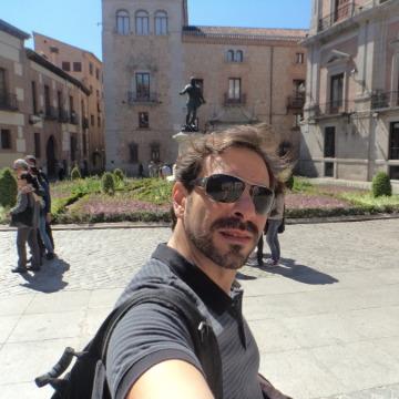 Thomaz Ribeiro, 36, Madrid, Spain