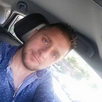 Massimo Minetti, 33, Torre Del Greco, Italy
