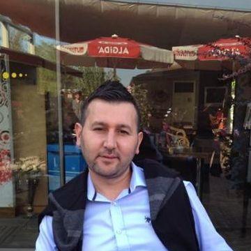 Tezcan Bayram, 37, Bursa, Turkey