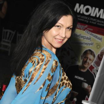 Angela Chelaru, 47, Kishinev, Moldova
