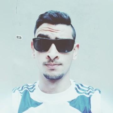 Hassan, 20, Cairo, Egypt