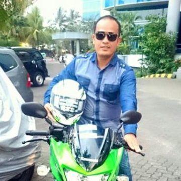 Sabar Napitupulu, 37, Jakarta, Indonesia