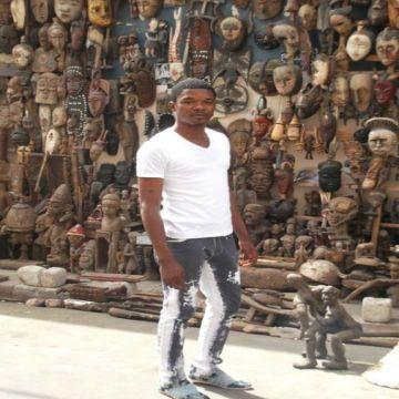 Oscar Steve, 30, Dakar, Senegal