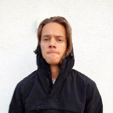 Nicolai Knatterton, 23, Denver, United States