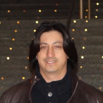 Victor Aviles, 40, Valencia, Spain