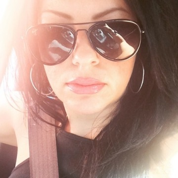 Tina , 37, Sydney, Australia