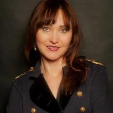 Lena, 46, Valencia, Spain