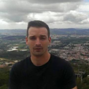 Richi McWallace, 31, Madrid, Spain