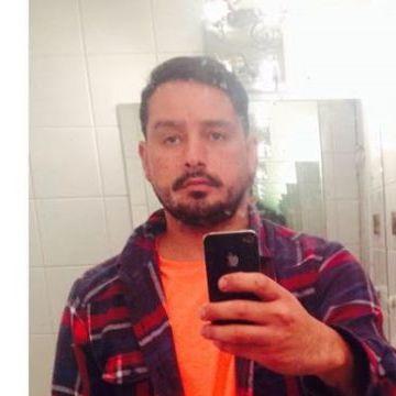 Miguel Kontrebia, 38, Santiago, Chile