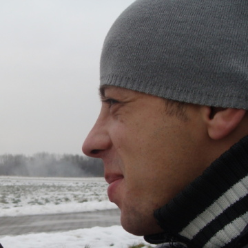 Vitalik Geeb Gaz, 33, Berlin, Germany