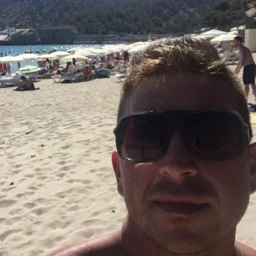 Gabi Alvarez Gutierrez, 36, Ibiza, Spain