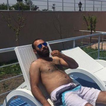 Tuğra Dinibütünoğlu, 29, Istanbul, Turkey