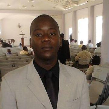 steevenson, 26, Port-o-Prens, Haiti