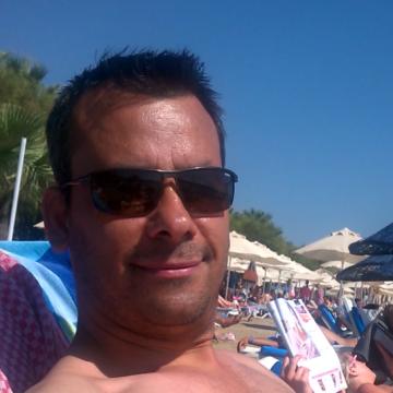 Süleyman Sahin, 43, Izmir, Turkey