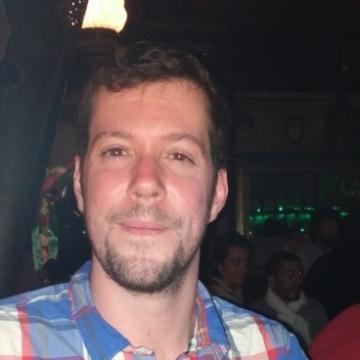 Andrés, 31, Granada, Spain