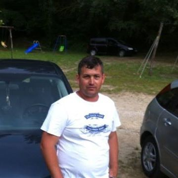 Adrian Harcu, 38, Napoli, Italy