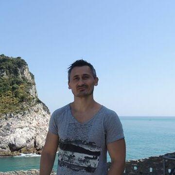 Mugur Iustin, 41, Genova, Italy