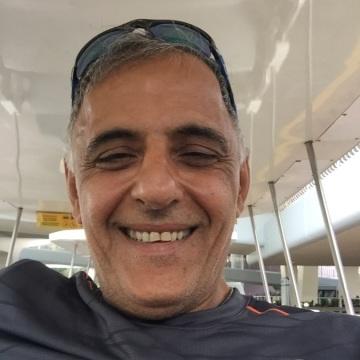 Simon Pour, 47, Istanbul, Turkey