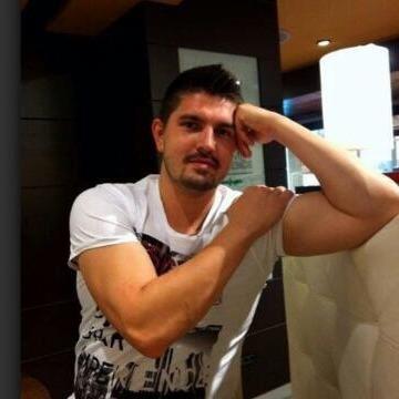 Dimitriy Zalozny Shvets, 30, Madrid, Spain