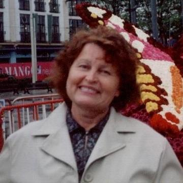 Nina, 62, Antwerpen, Belgium
